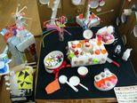 お城ではハロウィンパーティーが開催中。お菓子がいっぱいあります。