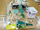 幼稚園。真ん中にそびえ立つのはメタセコイヤ。 カラスの巣もあります。