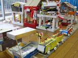 たかの台と東京駅をつなぐ電車。 黄色の電車は西武線です。